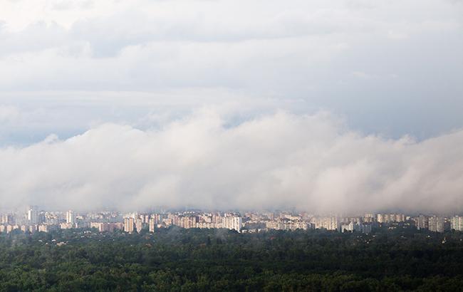 Фото: Тучи над городом (РБК-Украина)