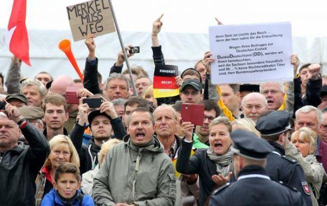 НаДне германского  единства Меркель назвали «предателем народа»
