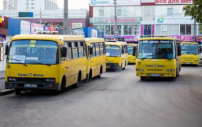 У Києві водій вигнав з маршрутки дитину з вадами слуху