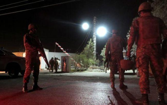 У Пакистані розстріляли дорожніх робітників, убито 10 осіб