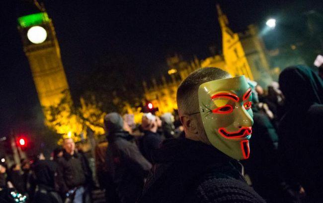 """Фото: """"Марш миллиона масок"""" в Лондоне"""