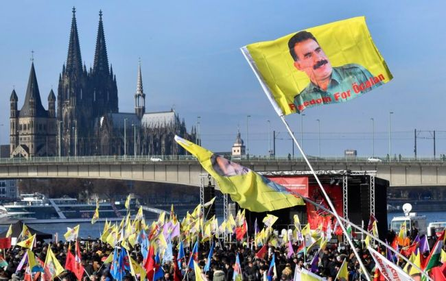 Фото: митинг курдов в Кельне