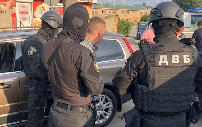 В Луцке полковника полиции задержали на взятке