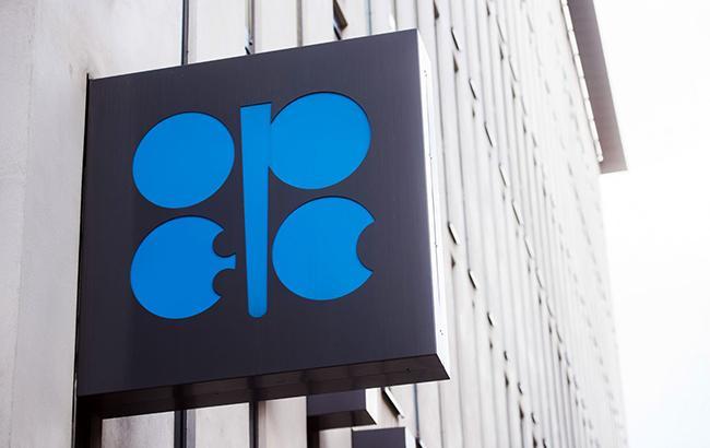 OPEC представить стратегію виходу з угоди з нафтовидобутку у червні 2018, - Bloomberg