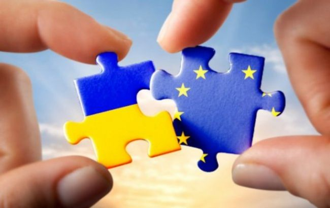 """Фото: послы ЕС дали """"зеленый свет"""" безвизовому режиму с Украиной"""