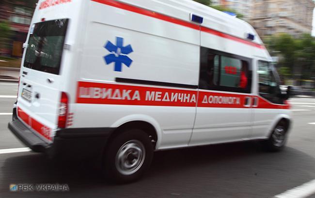 """Фото: """"скорая"""" (Виталий Носач, РБК-Украина)"""