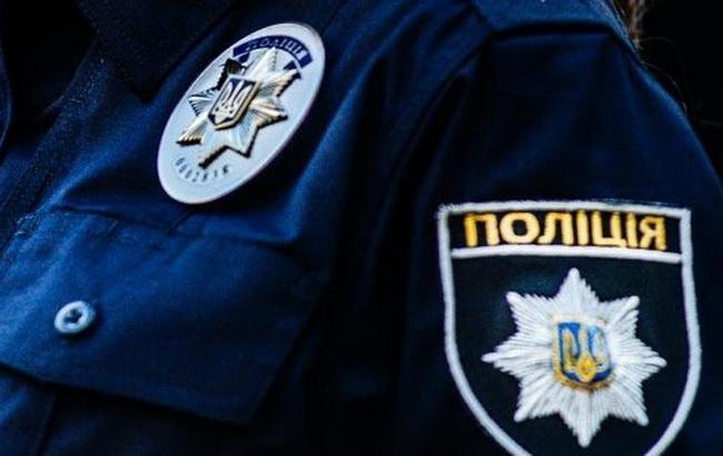 Фото: полиция сообщила об обнаруженном снаряде в стене спортивной школы
