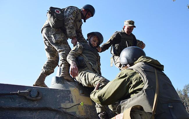 На Донбасі сьогодні постраждав один український військовий, - Міноборони