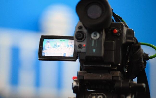 Фото: Нацсовет пригрозил закрыть белорусский канал