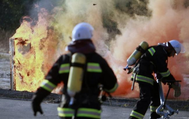 Фото: ліквідація пожежі (Андрій Скакодуб / УНІАН)