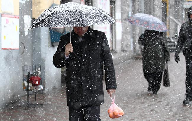 Фото: дождь и мокрый снег (РБК-Украина)