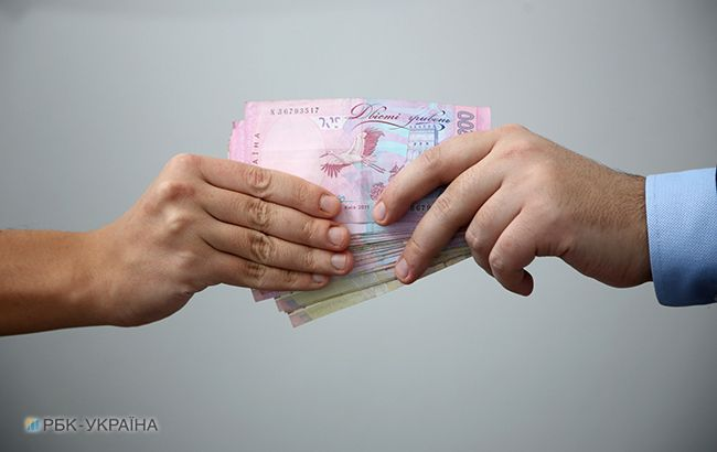 Чиновників КМДА затримали на вимаганні грошей у людей з інвалідністю