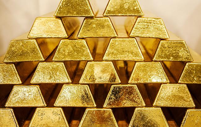 НБУ уменьшил курс золота до 325,4 тыс. гривен за 10 унций