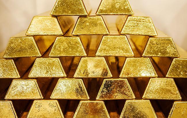 НБУ увеличил курс золота до 326,96 тыс. гривен за 10 унций