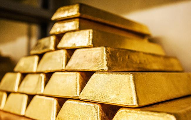 НБУ понизил курс золота до 344,7 тыс. гривен за 10 унций