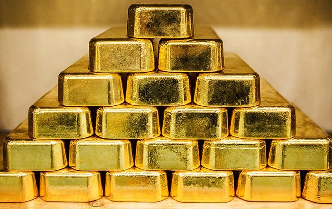 НБУ понизил курс золота до 340,70 тыс. гривен за 10 унций
