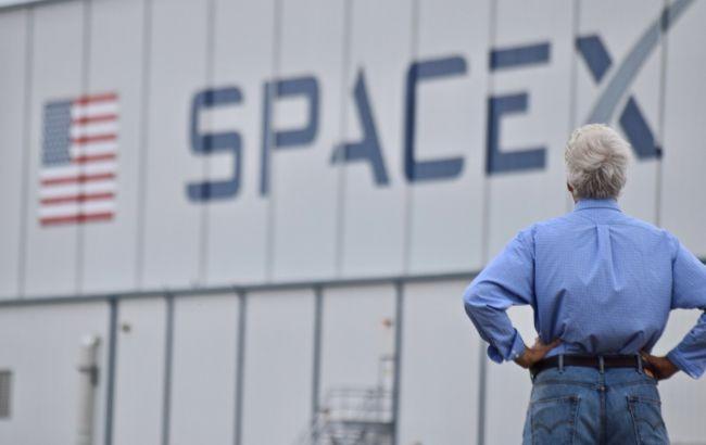 """SpaceX отправит на Луну модуль компании украинского бизнесмена для программы """"Артемида"""""""