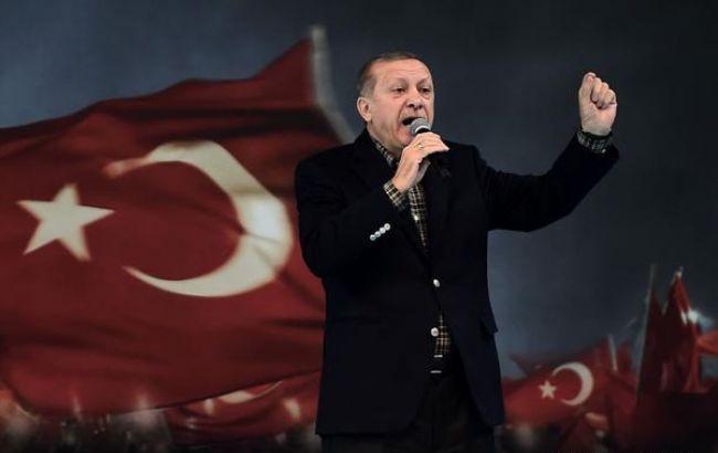 У Туреччині розпочався референдум щодо посилення влади президента