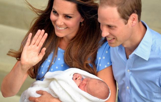 Кейт Міддлтон, принци Вільям і Джордж відпочивають на острові Мюстік