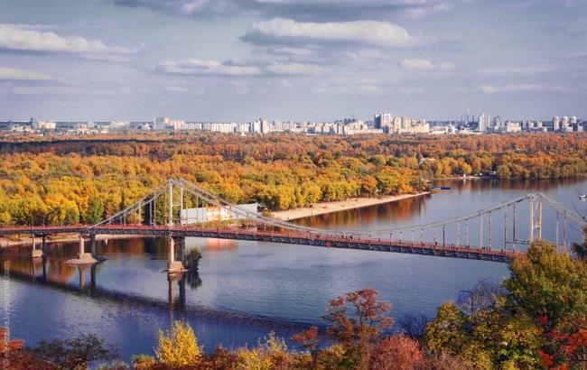 Фото: Пешеходный мост на Труханов остров (invictory.com)