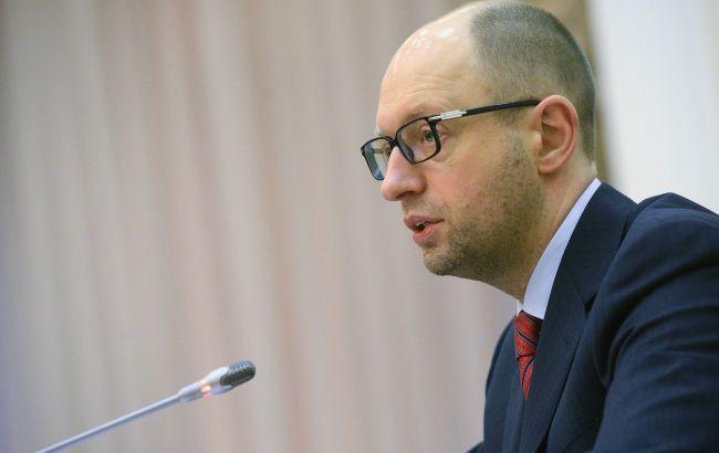 Выборы в 205 округе: Яценюк потребовал от силовиков обеспечить порядок