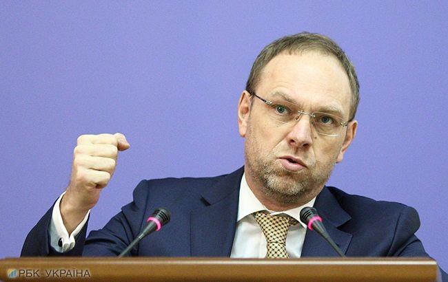 Янукович віддячив Ющенку за перемогу державною дачею і штатом обслуги, - Власенко