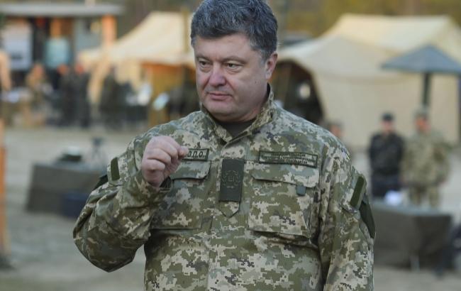 Порошенко сообщил об усилении защиты Мариуполя элитными подразделениями ВСУ