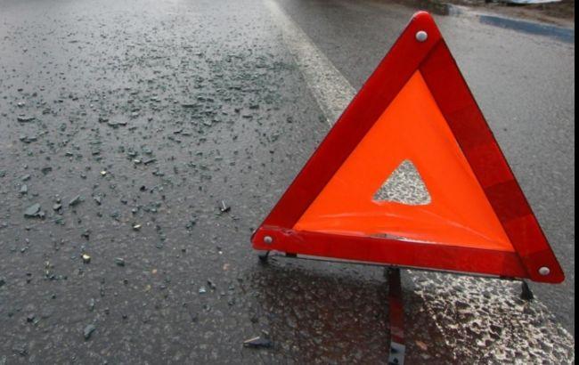 У Києві маршрутка зіткнулася з вантажівкою, 15 людей постраждали