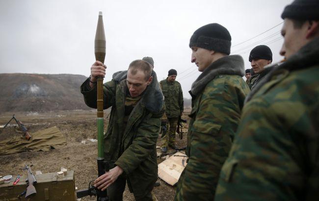 В Луганской обл. боевики обстреляли санитарный автомобиль, - штаб АТО