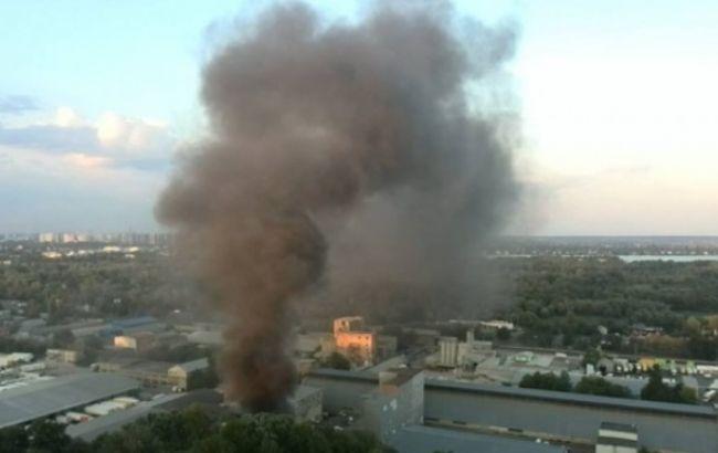 Пожар складских помещений в Киеве ликвидирован, - ГСЧС