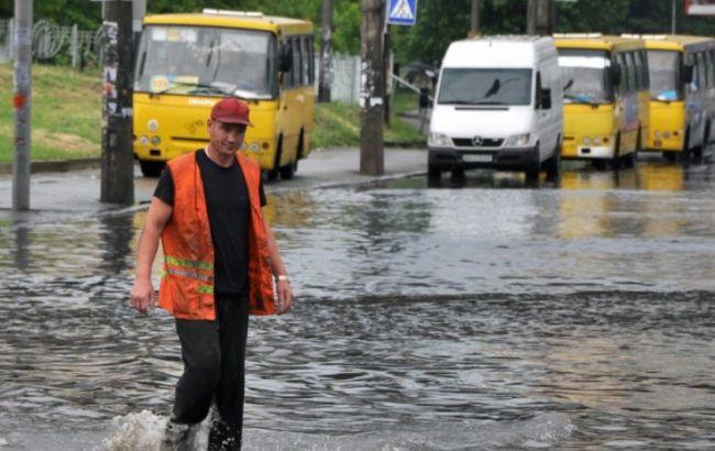 Фото: сильные ливни ожидают и на киевлян