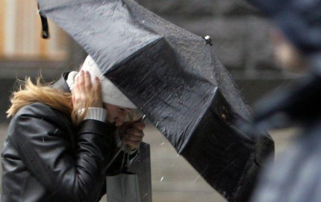 Фото: пориви вітру в Карпатах складуть 25-30 м/сек