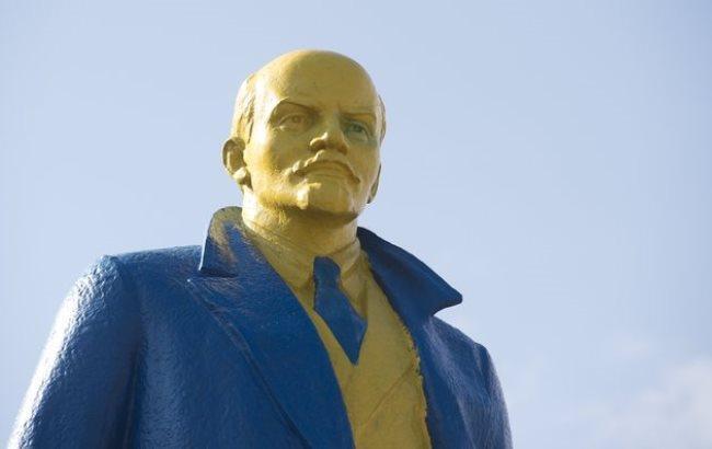 Фото: Украинцы не любят Сталина и Ленина (maailm.postimees.ee)