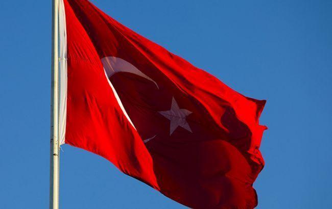 Турция перебрасывает военную технику на границу с Сирией