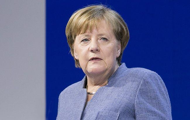 Меркель поздравила Зеленского с победой на выборах