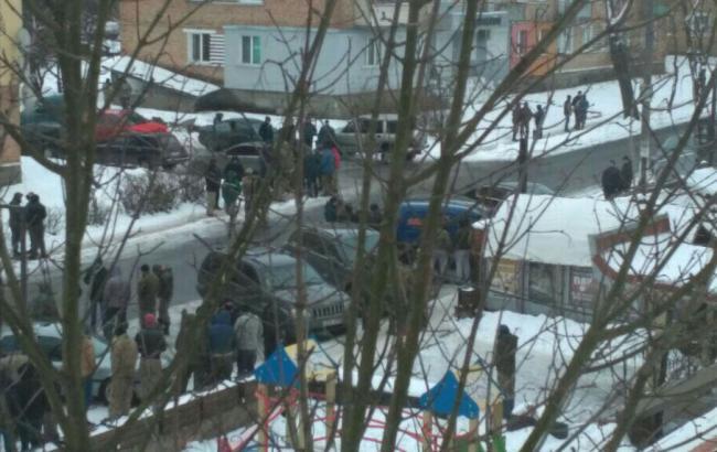В Ровенской области во время массовых столкновений пострадали 5 полицейских