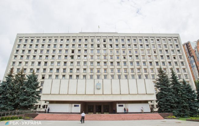 ЦИК зарегистрировал пять новых кандидатов на довыборах в Раду в 179 округе