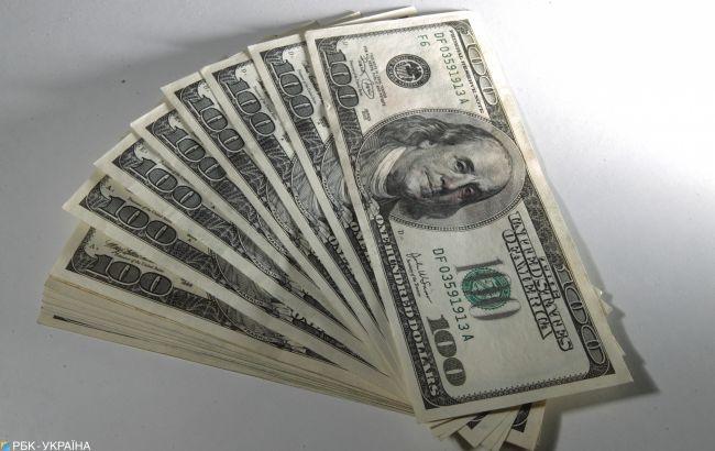 Доллар падает после резкого роста: НБУ установил курс на 1 апреля