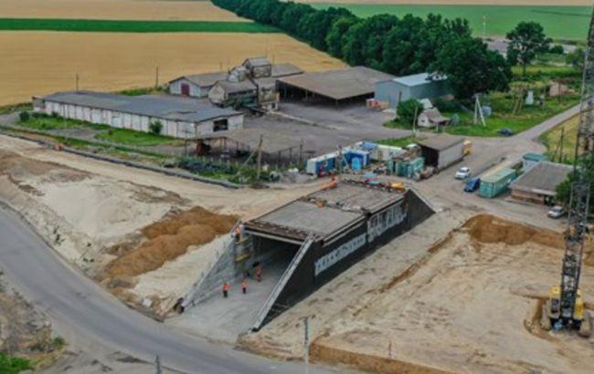 """На трасі """"Дніпро-Решетилівка"""" завершується будівництво найбільшого тунельного шляхопроводу"""