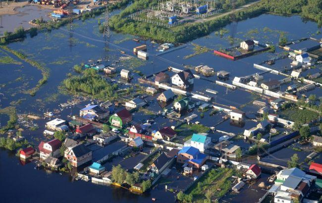 Фото: Нефтеюганськ затопило нафтою