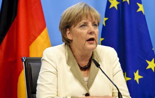 Меркель сподівається, що звільнення Савченко прискорить переговори про обмін полоненими