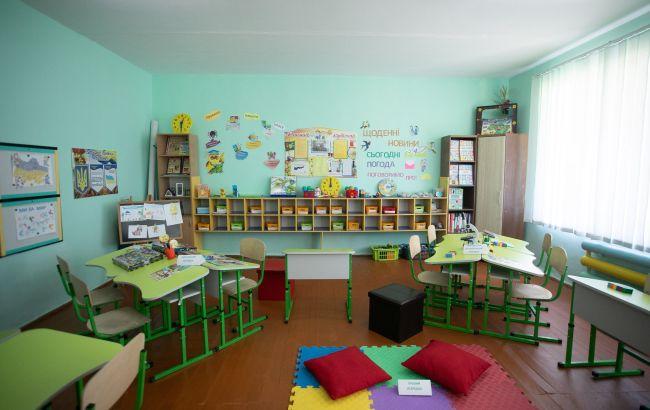 В МОЗ затвердили правила роботи дитсадків: без іграшок, килимів та рушників