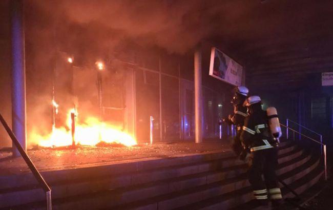 Фото: подожог будівлі в Гамбурзі