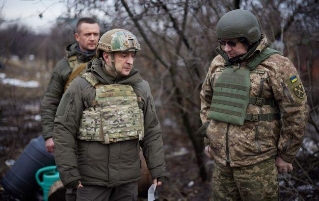 Військові на Донбасі не стріляють по цивільних і адекватно відповідають снайперам, - Зеленський