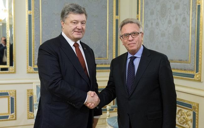 Фото: встреча Петра Порошенко с Джанни Букиккио