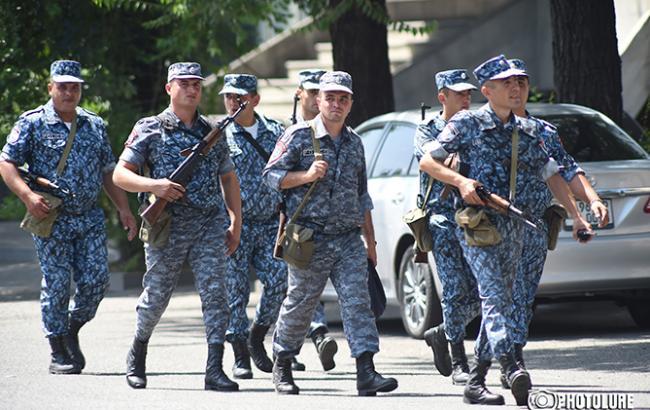 Фото: спецоперація в Єревані
