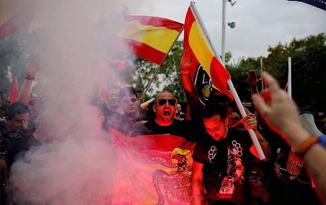 Фото: марш в Каталонії (twitter.comCatalansForYes)
