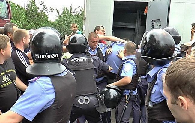 Фото: беспорядки в Кривом Озере (Novosti-N)