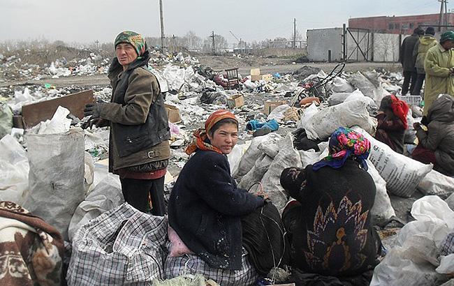 Новое поселение: в Киеве 300 ромов обосновали табор (видео)