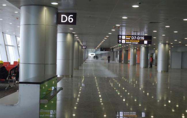 """Аеропорт """"Бориспіль"""" сьогодні почав обслуговування внутрішніх та міжнародних рейсів в терміналі D"""